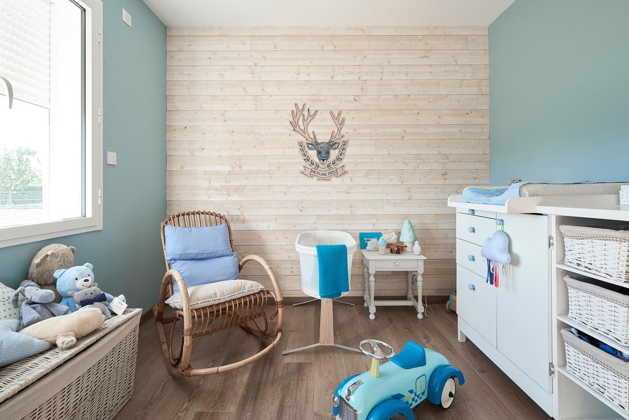 Une maison familiale aux airs de maison de vacances for Chambre 7 metre carre