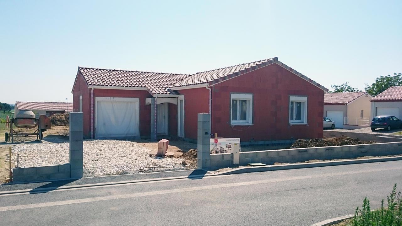 Une maison zen et confortable constructeur de maisons for Prix metre carre maison construction
