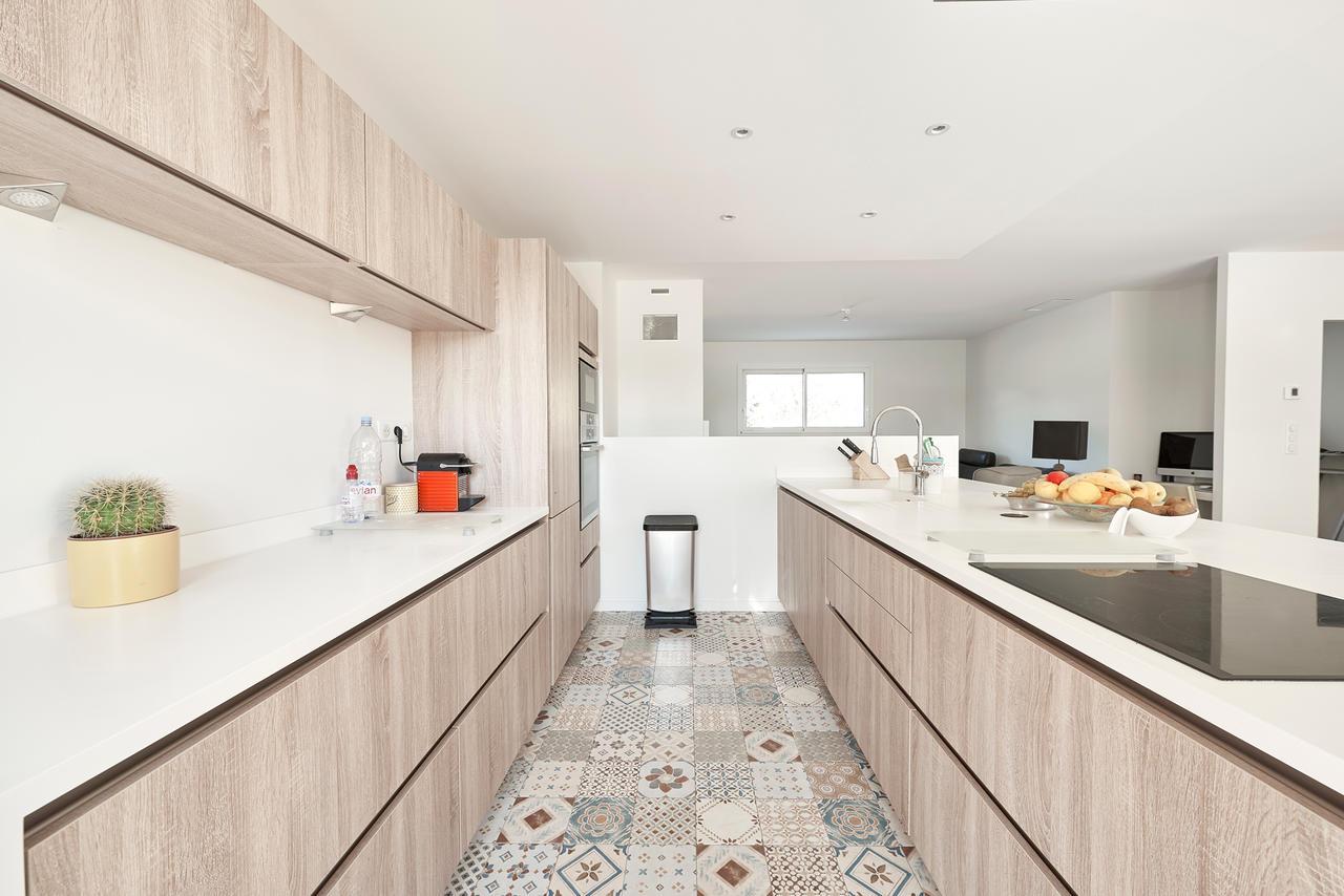 Une maison familiale aux airs de maison de vacances for Grande cuisine equipee