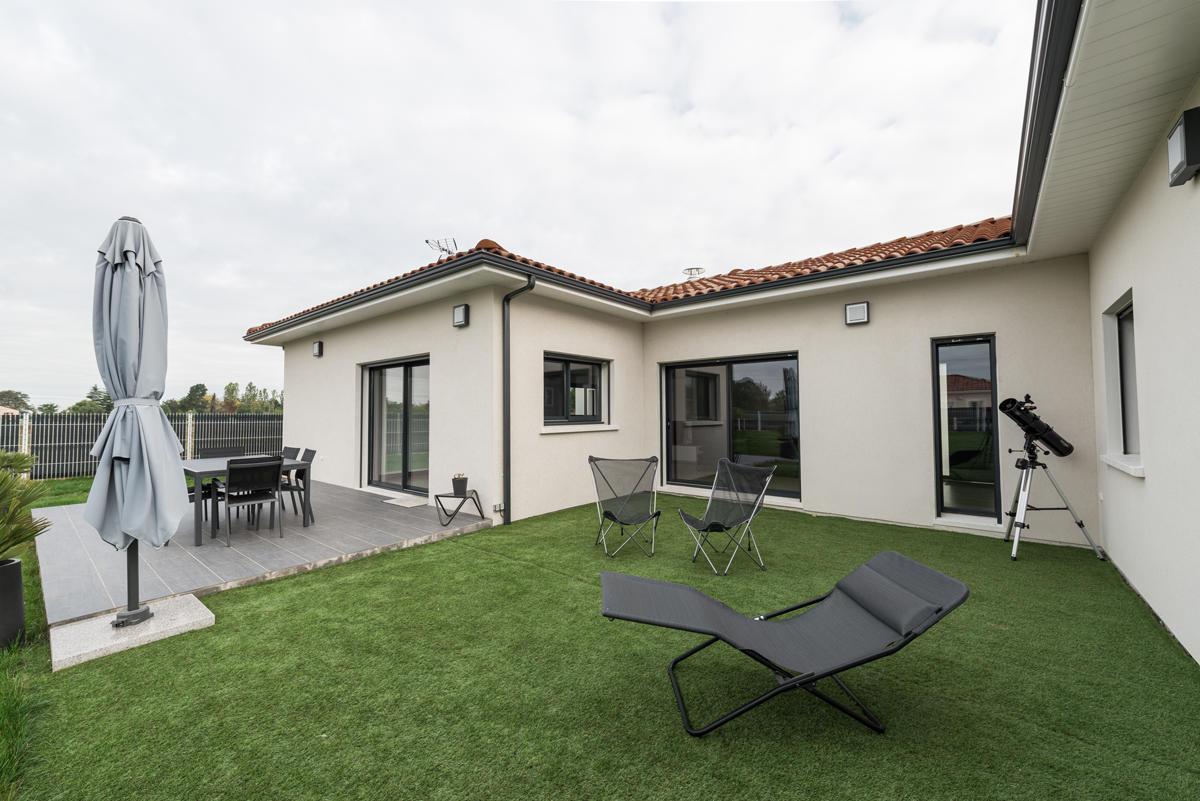Bon constructeur maison avie home for Constructeur maison basse consommation