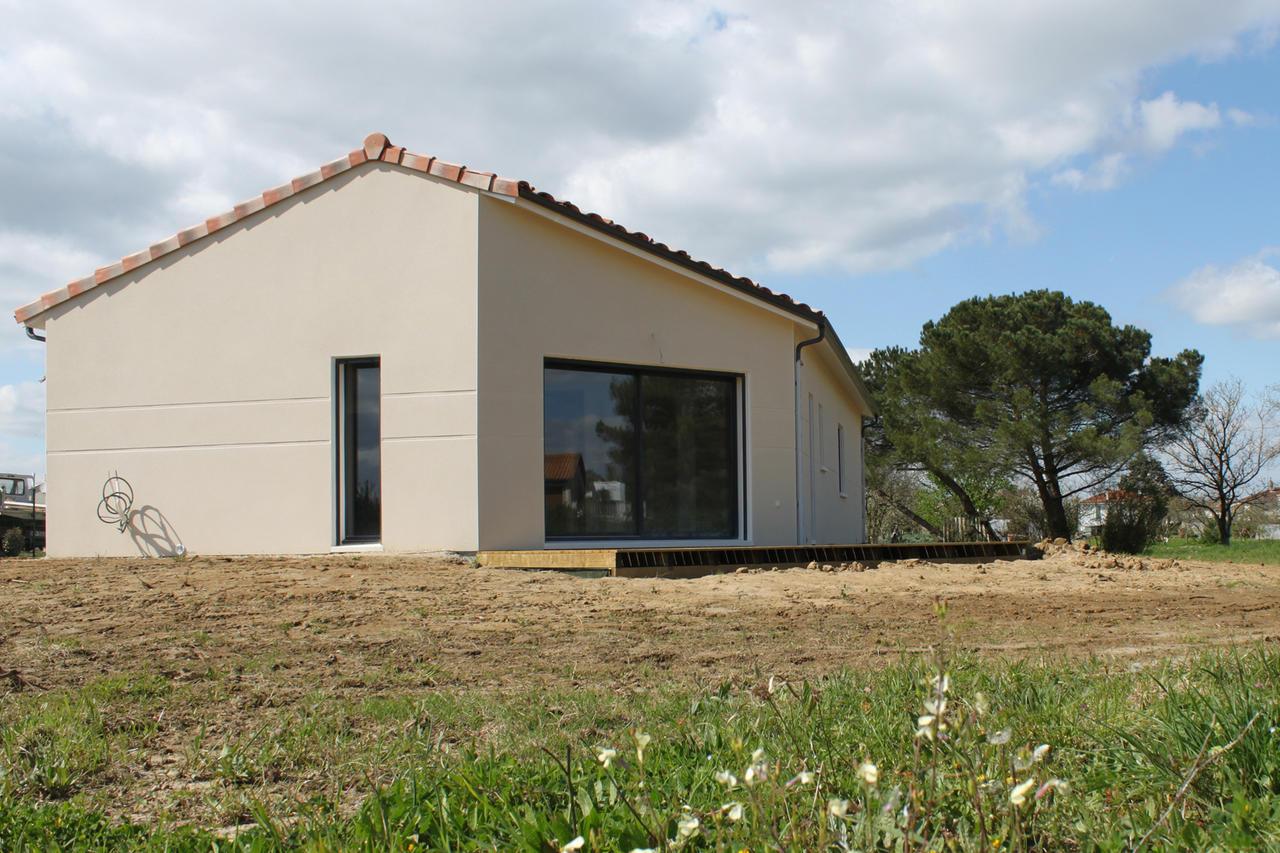 Une construction contemporaine de 90m2 habitables constructeur de maisons m tre carr agen for Construction maison neuve bordeaux