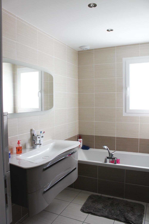 Maison neuve nouveau chantier m tre carr brax lot et for Combien de metre carre pour une salle de bain