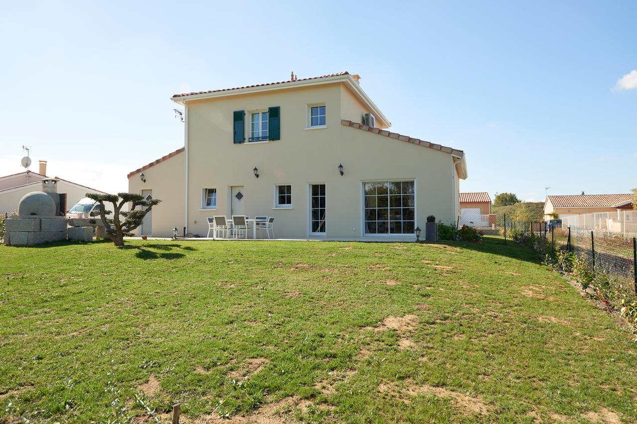 Une agr able maison tage de 120m2 constructeur de maisons m tre carr agen bordeaux et toulouse - Lino 5 metre de large ...