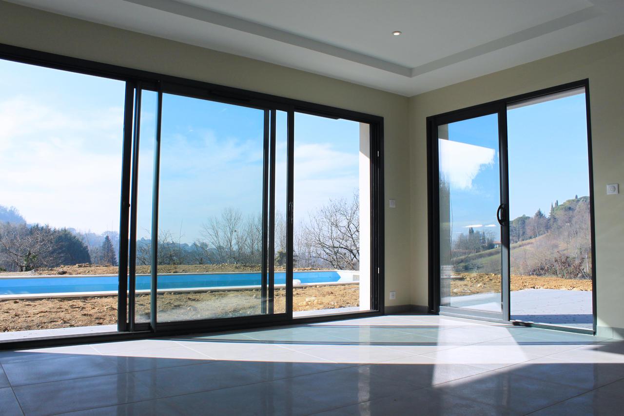 une maison toiture plate bon encontre constructeur de maisons m tre carr. Black Bedroom Furniture Sets. Home Design Ideas