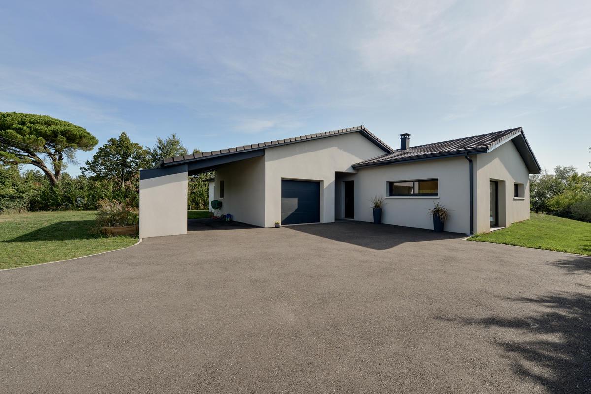 Construction d 39 une maison basse consommation de 150m2 aux for Prix construction maison 150m2