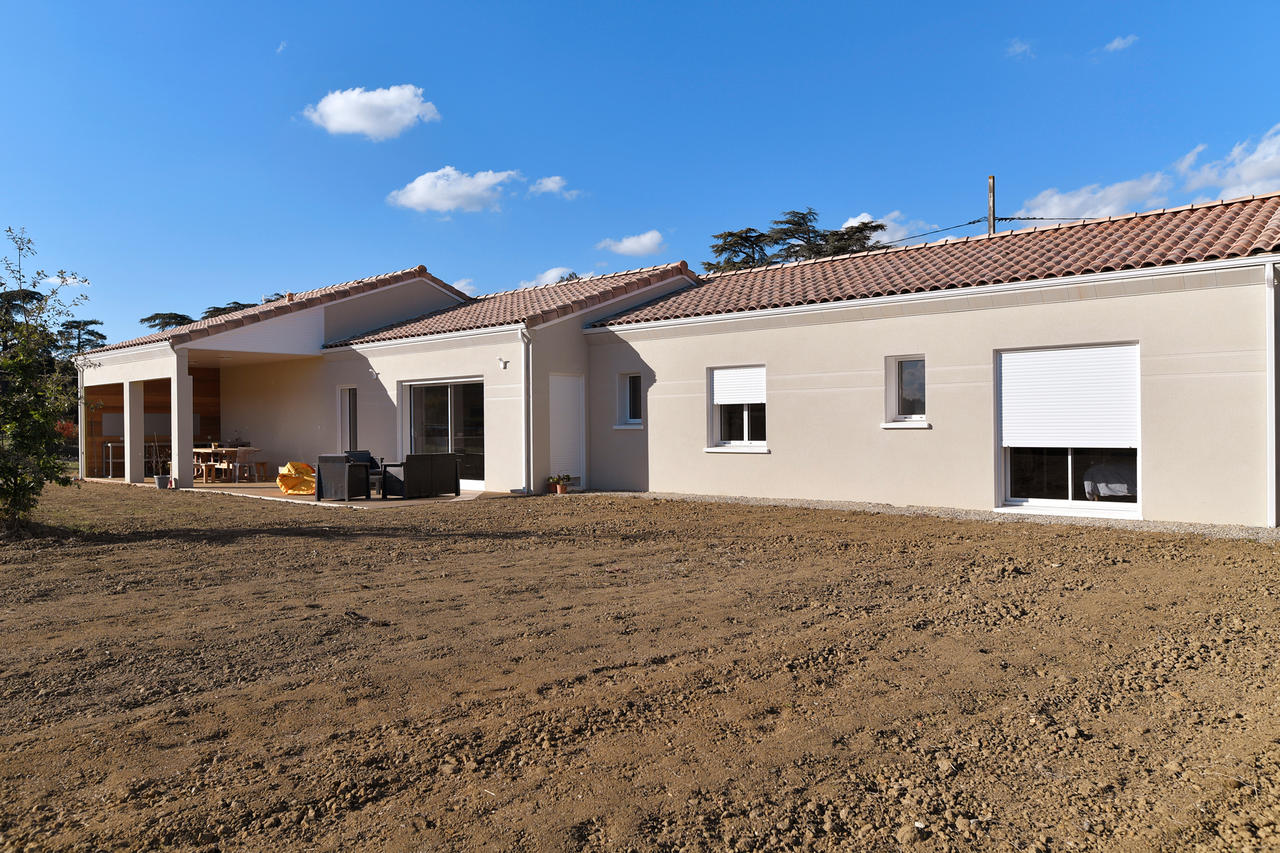 Une maison familiale de 170m2 constructeur carr agen for Prix metre carre construction maison