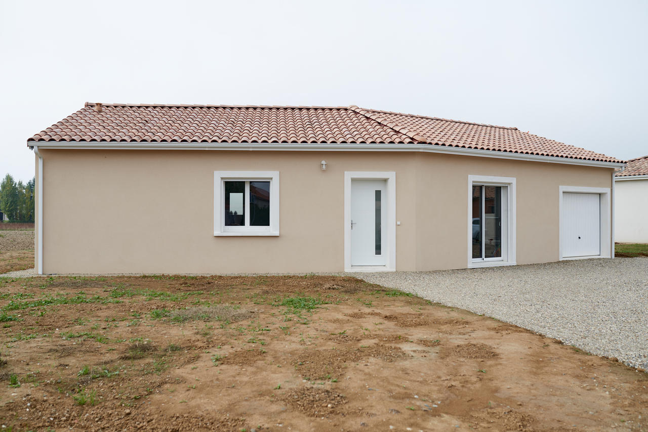 Maison rt2012 en v a brax lot et garonne constructeur for Cout metre carre construction maison