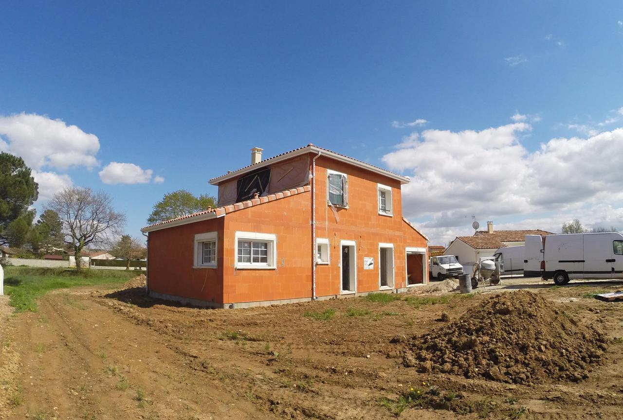 Une agr able maison tage de 120m2 constructeur de for Prix metre carre construction maison