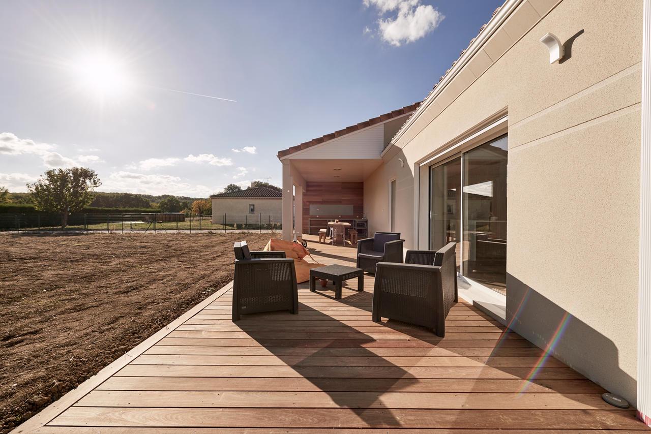 une maison familiale de 170m2 constructeur carr agen bordeaux et toulouse. Black Bedroom Furniture Sets. Home Design Ideas