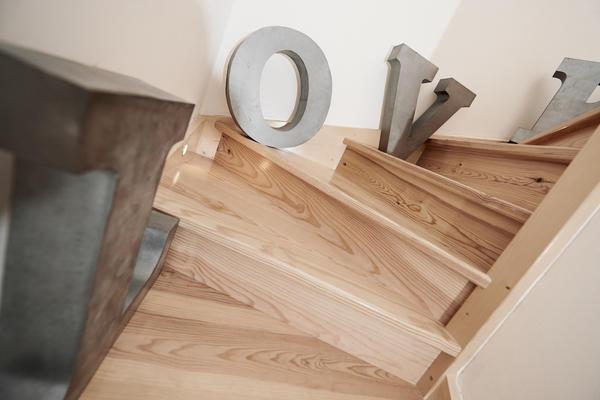 Cage d'escalier bois - Constructeur de maisons Mètre Carré