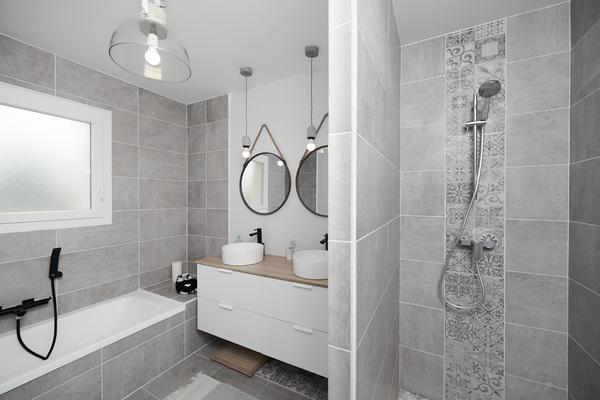 Salle de bain équipée robinetterie noir mat - Projet de construction Mètre Carré Bordeaux
