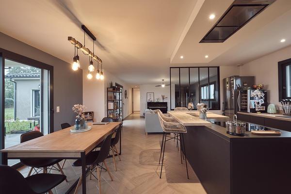 Pièce de vie contemporaine, constructeur maison neuve Mètre Carré