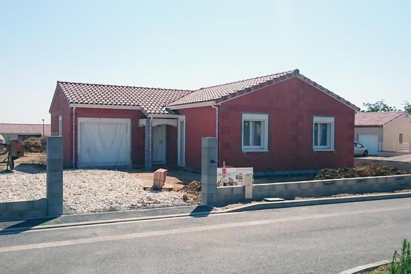 Construction en cours - Mise hors d'eau hors d'air Maison en L Mètre Carré