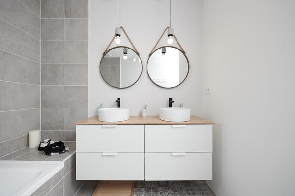 Meuble vasque salle de bain équipée - Constructeur de maisons Mètre Carré bordeaux
