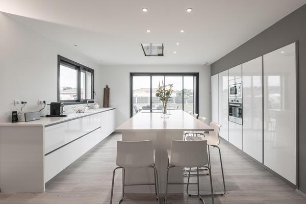 Une belle villa contemporaine spacieuse et lumineuse bon for Chambre 7 metre carre