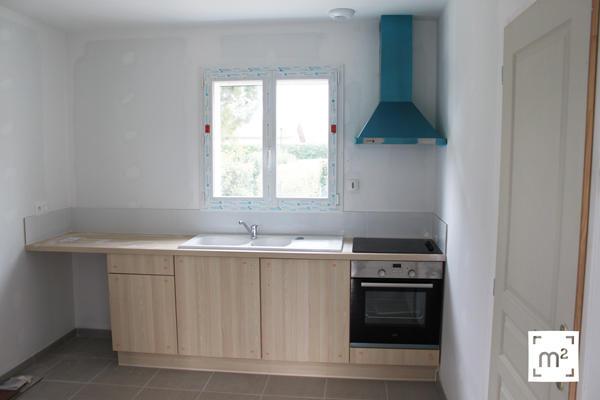 Construction Mètre Carré : cuisine équipée, meubles , évier, four, hotte aspirante