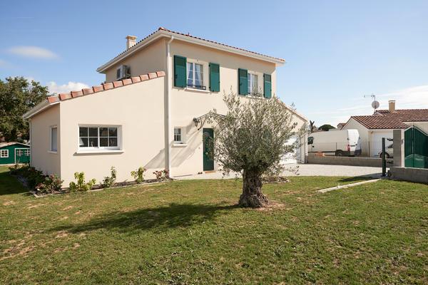Maison à étage 3 chambres - Style traditionnel - Constructeur de maisons Mètre Carré Agen Bordeaux Toulouse