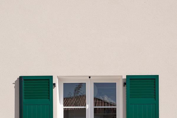 Menuiserie PVC avec volets PVC verts - Belles finitions de qualité - Mètre Carré Agen Bordeaux Toulouse