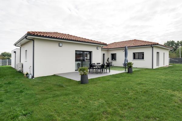 Agréable terrasse extérieure - Maison contemporaine Mètre Carré