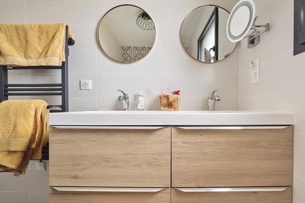 Meuble double vasque bois jaune - Maison neuve Constructeur Mètre Carré