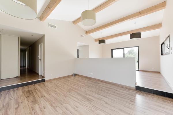 Construction d 39 une maison basse consommation de 150m2 aux for Calcul metre carre d une piece