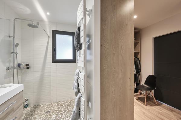 Dressing et salle d'eau suite parentale constructeur de maisons Mètre Carré