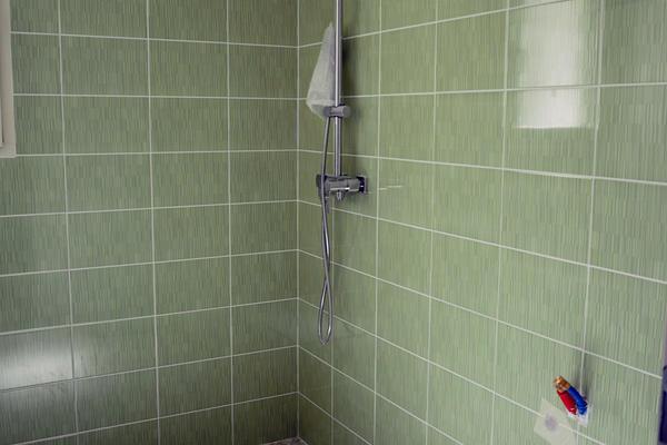 Salle de bain toute équipée constructeur de maisons Mètre Carré