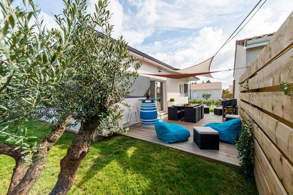 Agencement extérieur - Maison T3 contemporaine Roquefort